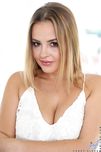 Beautiful busty blonde..