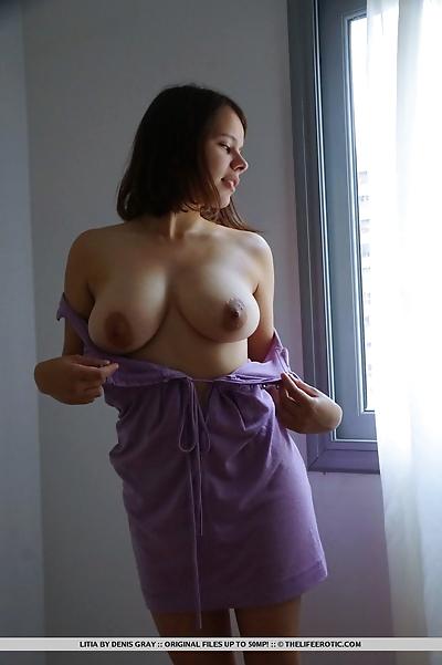 Big nippled girlfriend Litia..