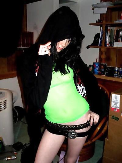 Strip pics of punk teen - part 4604