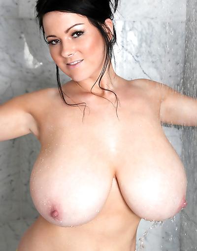 Rachel Aldana shows off her..