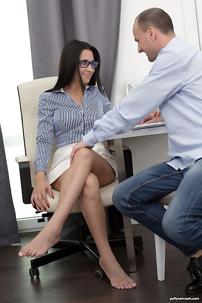Leggy secretary Chanel Lux..